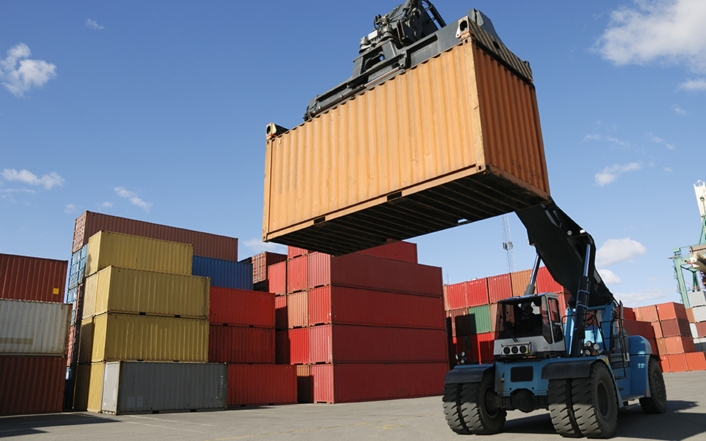 04_Lifting_Container
